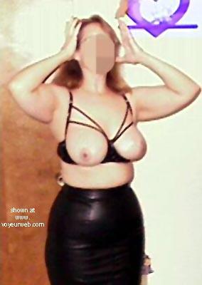 Pic #6 - Eliza Feeling Sexy
