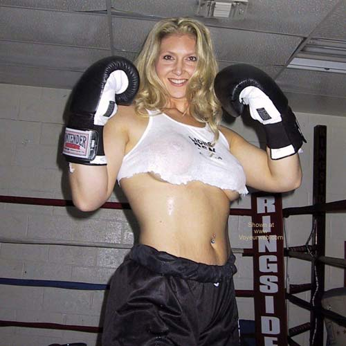 Pic #3 - MissMuscle in The Ring