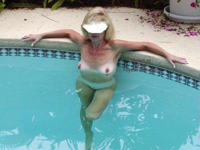 Pic #6 - Sexy Savannah At The Pool