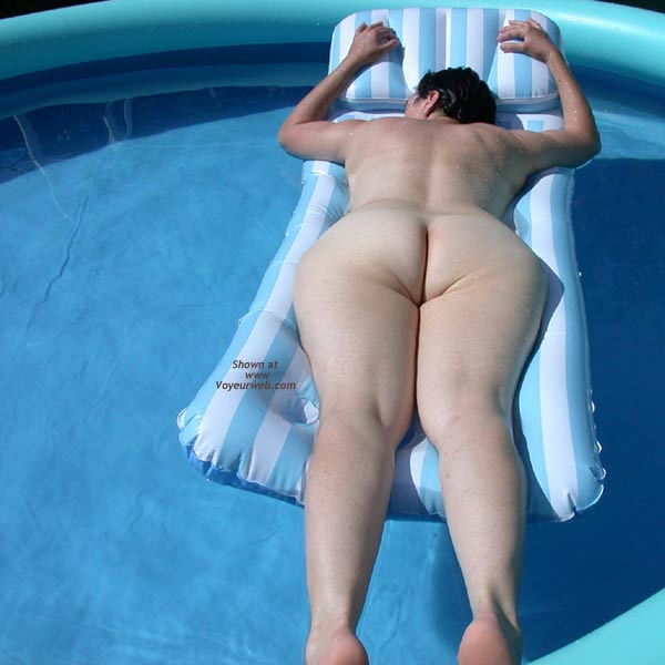 Pic #4 - Wife' Ass on Water