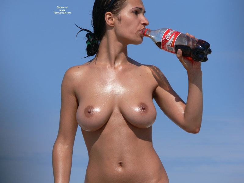 coca cola girls nude