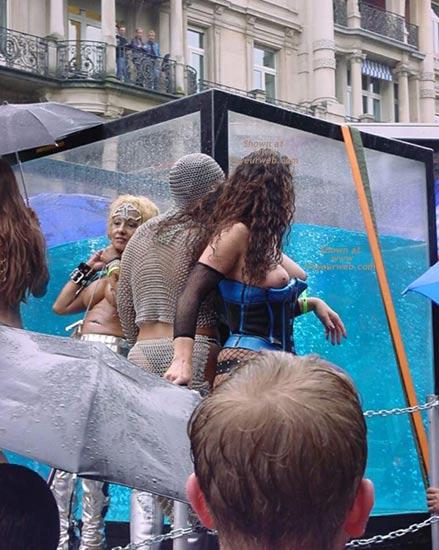 Pic #6 - Street Parade 02 Zurich 1