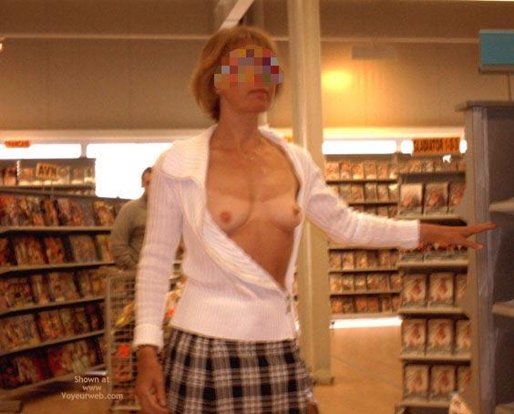 Pic #1 - *Sn Julie Hsavoie In An Adult Shop