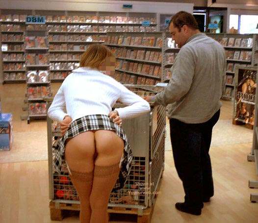Pic #4 - *Sn Julie Hsavoie In An Adult Shop