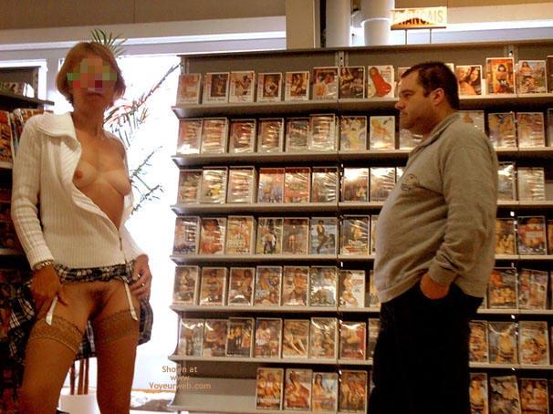 Pic #5 - *Sn Julie Hsavoie In An Adult Shop