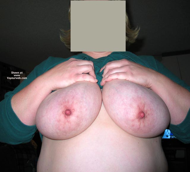 Pic #1 - Lynnette'S Big Breasts