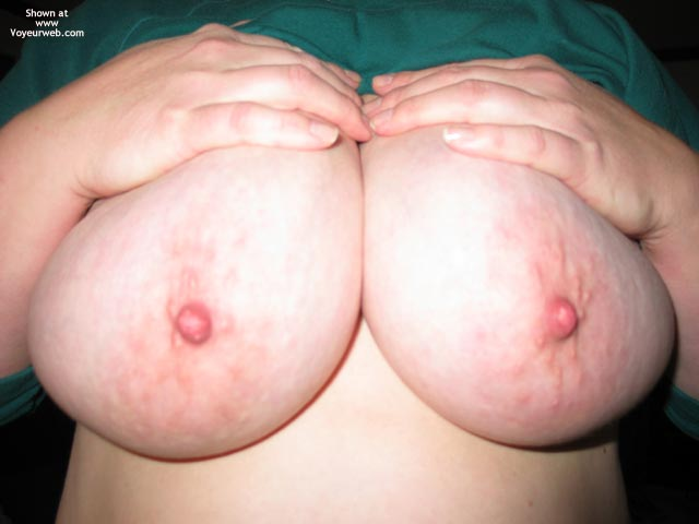 Pic #2 - Lynnette'S Big Breasts