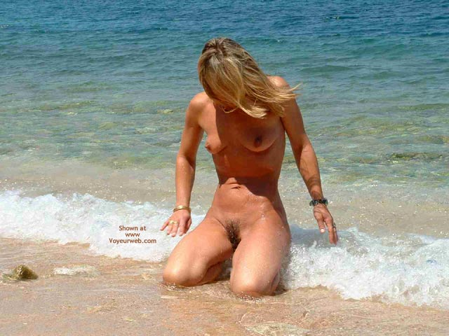 Pic #6 - Siren Goes To The Beach 2 Public Nude