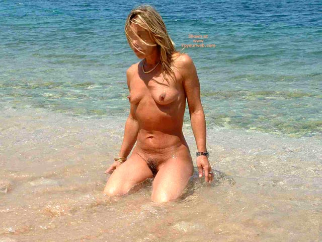 Pic #8 - Siren Goes To The Beach 2 Public Nude