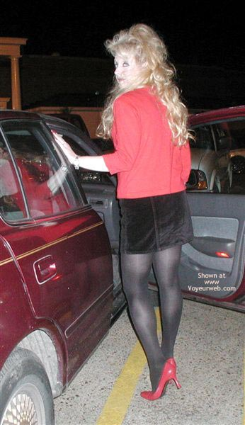 Pic #2 - Andrea'S Nylons, Legs And Heels