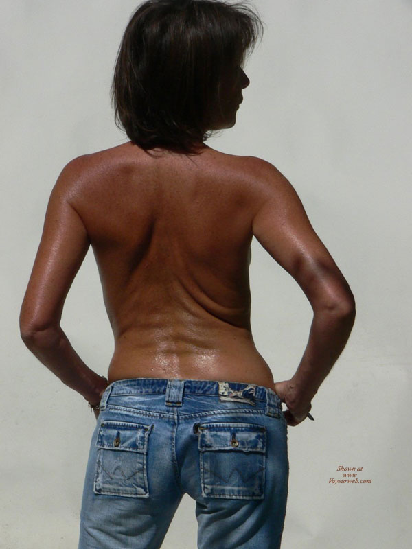 Pic #1 - Rearview Of A Topless Black Girl - Topless , Blue Jeans, Topless In Blue Jeans