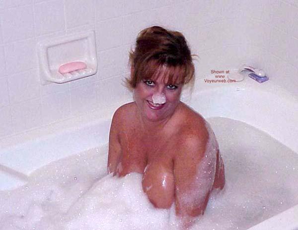 Pic #4 - Sara Takes a Bubble Bath