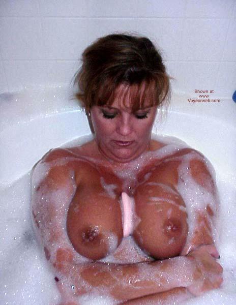Pic #8 - Sara Takes a Bubble Bath