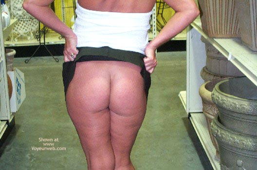 Pic #1 - Afternoon Shopping/Flashing