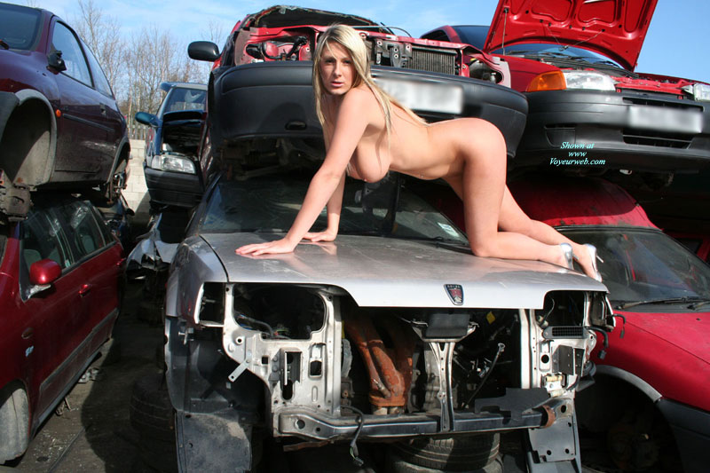 real amateurs naked at junk yard