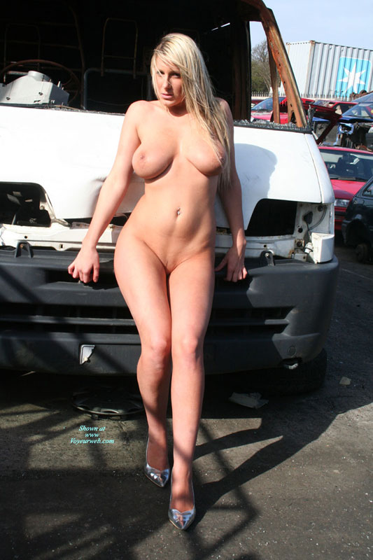 Pic #3 Car Wreck Babe