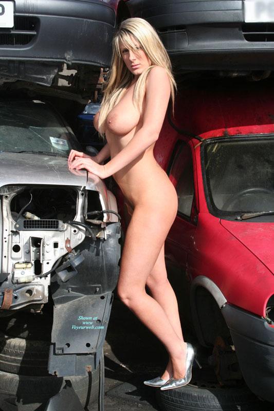 Pic #5 Car Wreck Babe