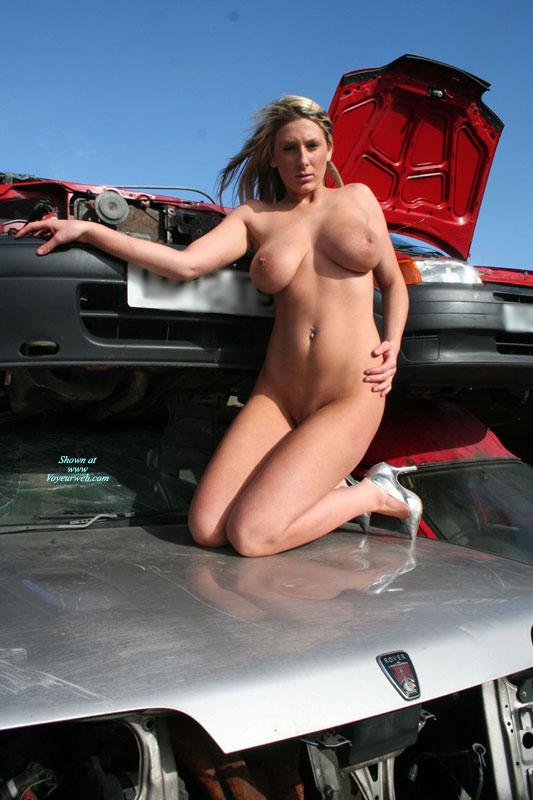 Pic #6 Car Wreck Babe