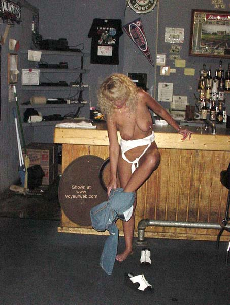Pic #5 - Alysha Nude In A Sports Bar