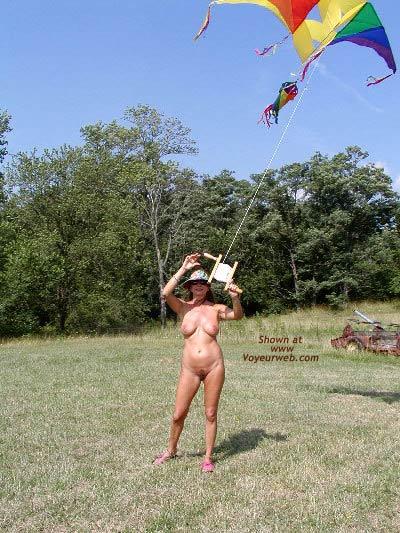 Pic #9 - Natalie's New Kite
