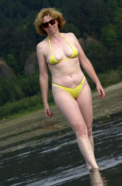 Pic #8 - Liz - Yellow Wicked Weasel