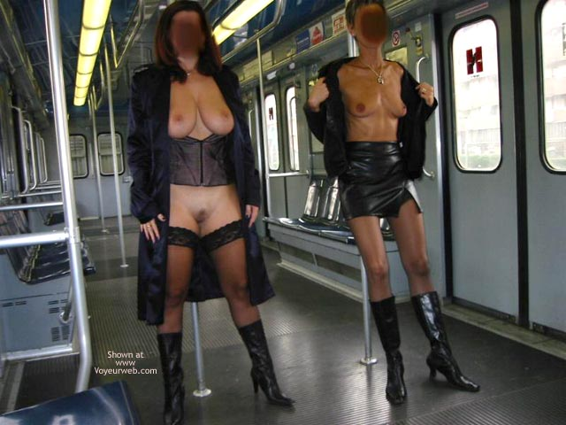 Pic #1 - *GG Tiziana and Stefy in Metro