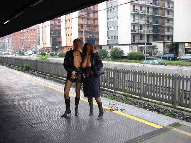 Pic #5 - *GG Tiziana and Stefy in Metro