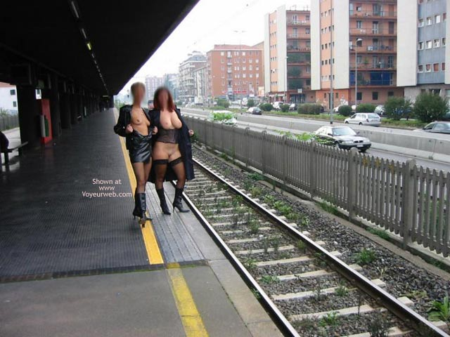 Pic #6 - *GG Tiziana and Stefy in Metro