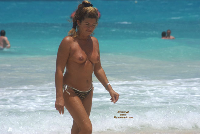 Pic #1 - Orient Beach 2 , More Shots Of Some Mature Women...