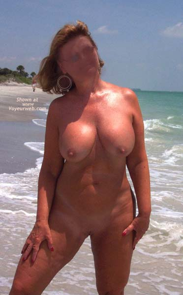 Pic #8 - Lana Nude on The Beach Again
