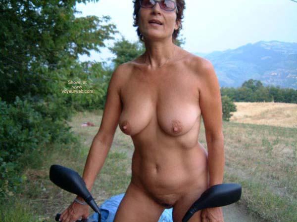 Pic #1 - Mia Moglie in Campagna
