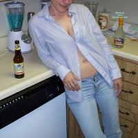 Wicked Lynn Topless In Jeans