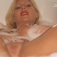 Alice Bath Time