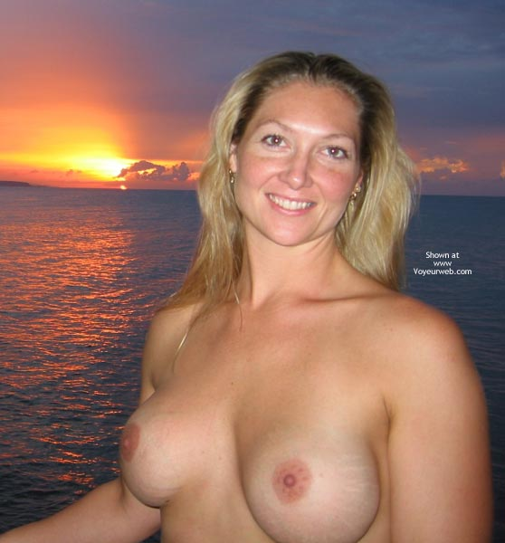 Pic #1 - Hedo3 Sunset MissM with a Friend