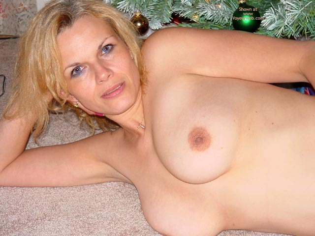 Pic #4 - Whats Under Your Tree