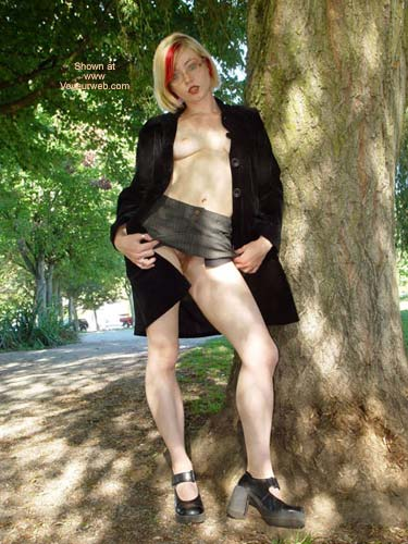 Pic #4 - Naughty In The Park