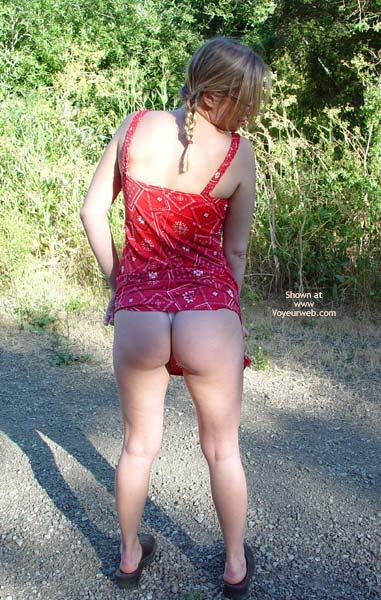 Pic #2 - Leila'S Ass Outside