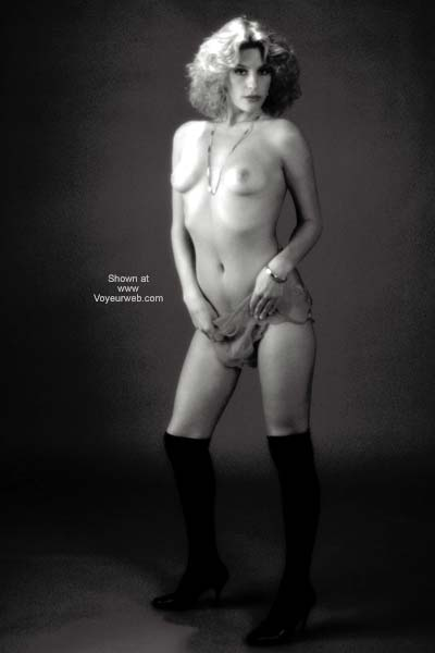 Pic #4 - Tammy Nude in Black and White