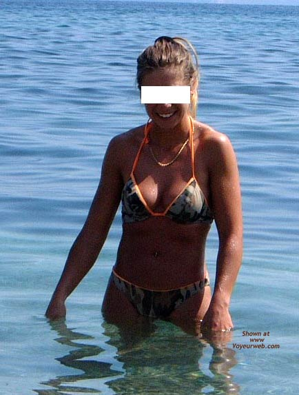 Pic #3 - Early Thirties Wife at The Beach