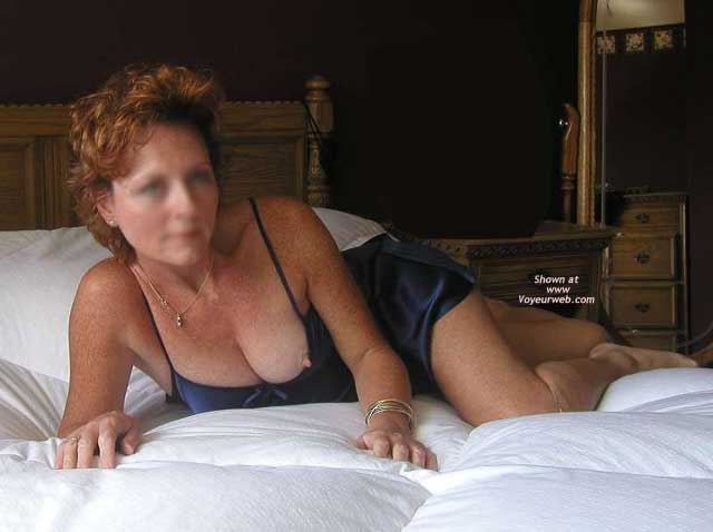 Pic #3 - *BE Jennifer Spreads Out in Bed