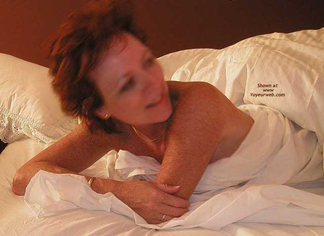Pic #7 - *BE Jennifer Spreads Out in Bed
