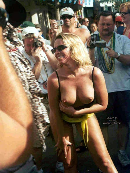 Pic #5 - Sue at Fantasy Fest 2002, Key West