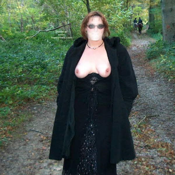 Pic #3 - My French Wife Lady L Outside