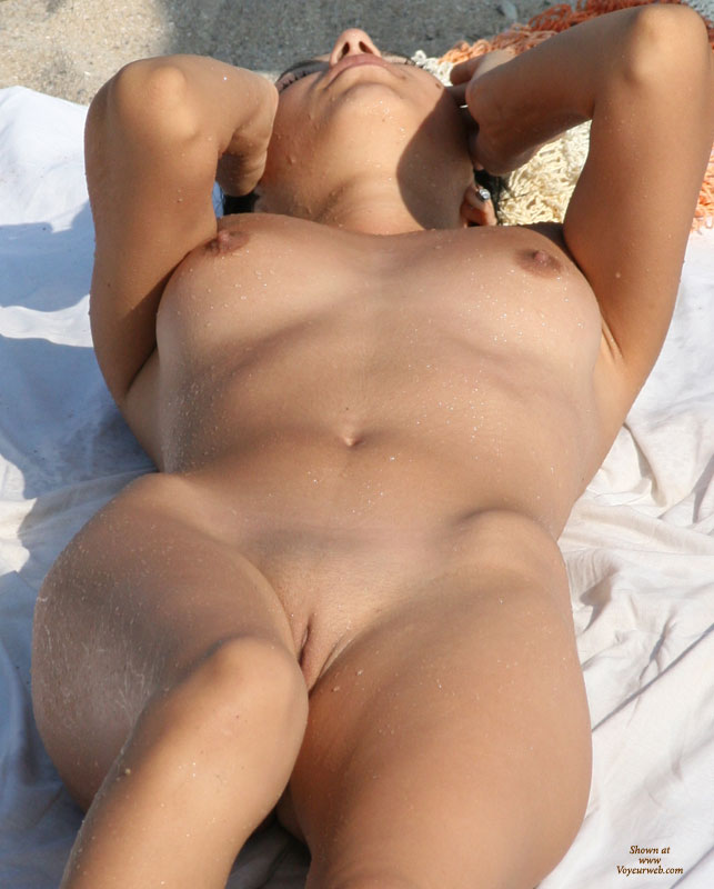 Sexy girl peeing outdoor