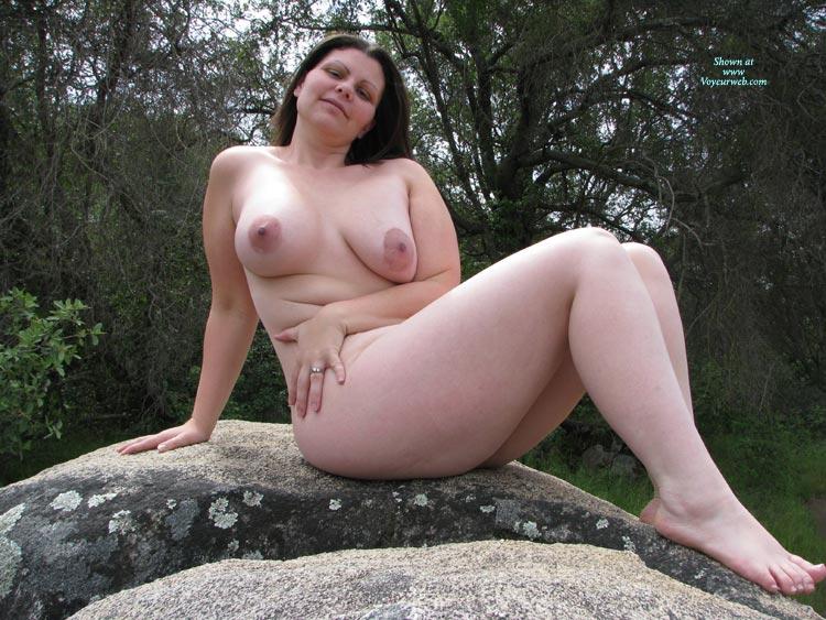 Фото голые зрелые в лесу 18 фотография