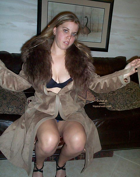 Pic #2 - 21 yo Having Fun In Leather/Fur