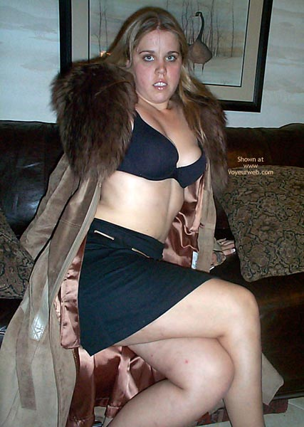 Pic #3 - 21 yo Having Fun In Leather/Fur