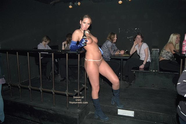 Pic #3 - Verona, Shaved Beauty in a Public Bar