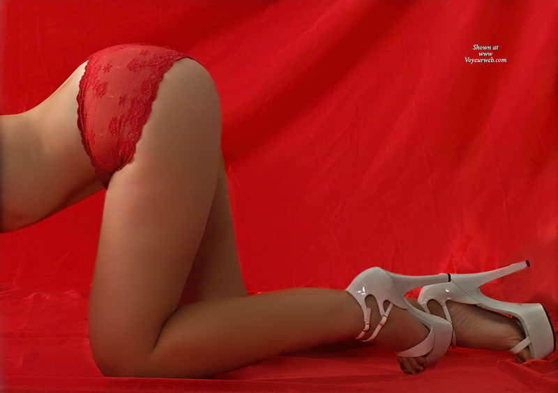 Pic #1 - Butt Up Shot Thin Model - Heels, Long Legs , Red Background, Sticking Her Bum Out, Sexy Shoes, Bum In The Air, Boy Shorts, Ass In Red Panties, Red Panites, Hips And Legs Doggie, White Platform Heels, Red Toes In White Heels