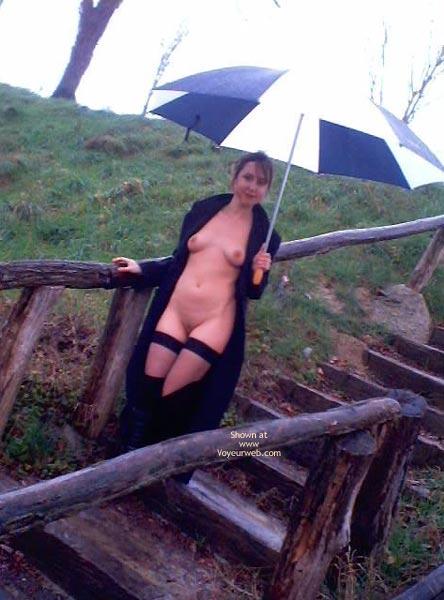Pic #7 - Elle Adore Poser Nue en Exterieur